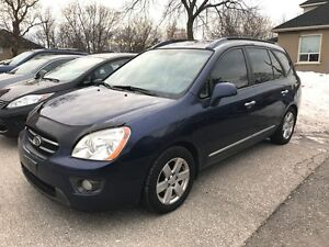 2007 Kia Rondo 7 SEATS - NO ACCIDENT - CERTIFIED