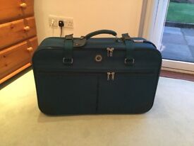 Marco Polo lightweight suitcase with wheels