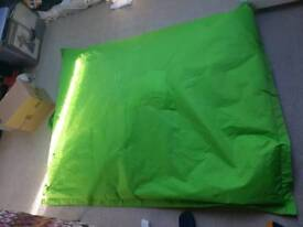 XL GREEN BEAN BAG