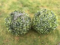 2 Topiary balls great condition