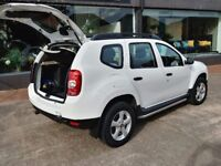 Dacia Duster 1.6 5dr Petrol white Manual