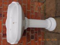 Period style wash basin with pedestal