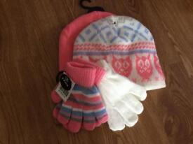 Matching girls hat and gloves set