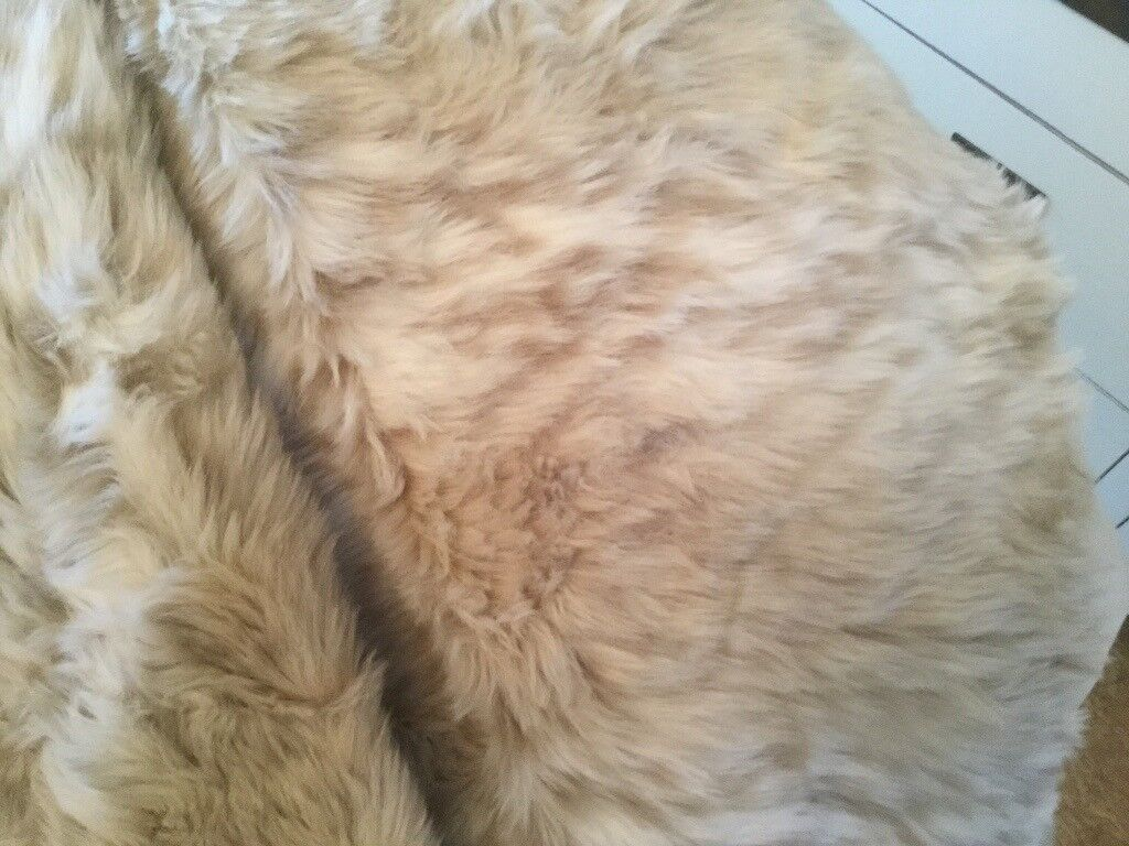 Huge Faux Fur Throw White/Cream (As New Condition)
