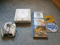 SEGA Dreamcast with 5 games and VMU