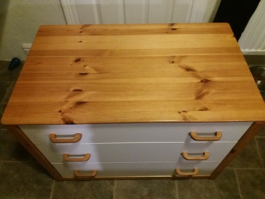 M&S Chest of draws