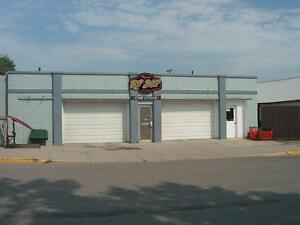 Complete Turn Key Hot Rod Shop w/ Residence Calgary Alberta image 3