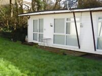 2 bed hol chalet cornwall Devon sleeps 5+ AVAILABLE FOR 1/2 TERM allows dogs