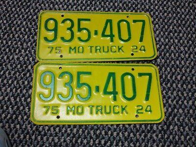 1975 Missouri Truck License Plate pair, 935-407