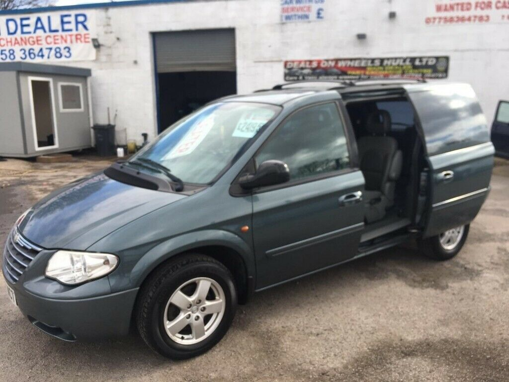 Chrysler VOYAGER,2429 cc MPV,alloys,CD player,Electric side doors,clean  tidy car,runs very well | in Hull, East Yorkshire | Gumtree