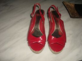 LADIES RED WEDGE SANDALS SUIT SIZE 5 1/2.PLEASE SEE PICTURES