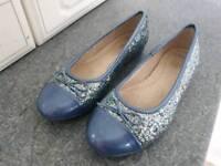 Girls Clark's glitter pumps size 1F worn twice