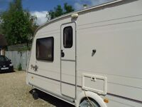 BAILEY PAGEANT BORDEAUX 2002 FIXED BED CARAVAN SINGLE AXLE WITH MOTOR MOVER
