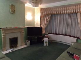 4 Bedroom Extended Semi Detached Property Fully Furnished Le2 Le3 Le4 Le5 Ready Garage Furnished