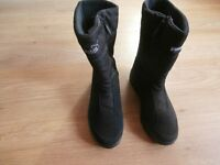 LADIES PUMA GORE TEX WINTER SNOW BOOTS – SIZE 4 (37)