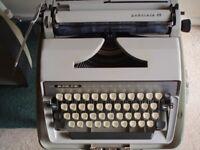 Adler, Gabriele 25 Typewriter