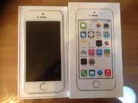 iPhone 5s 16GB white/silver fully boxed not a mark like new on EE