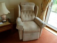 Electric Riser/Recliner Chair with remote control