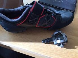 Bontrager bike shoes and peddles