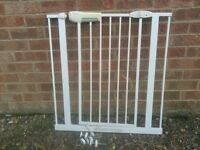 LINDAM STAIRGATE STAIR GATE SAFTY SAFE LOCK GUARD