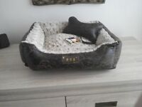 Luxury small dog/cat bed.