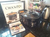 4.7L Crock Pot digital slow cooker with cookbook