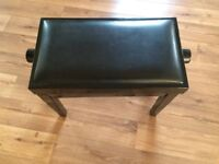 Black lacquer effect piano stool
