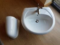 Bathroom Sink Basin with Mixer Tab. Almost new condition.