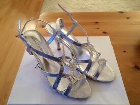 Roland Cartier Silver Strappy Sandals Size 4
