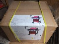 14 brand new in box berkely 3 burner gas barbecue at absolute bargain price
