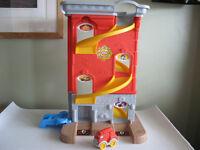 Little Tikes Toy Garage/Firestation