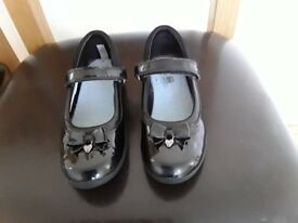 Girls Clarks school shoes size 12,5F