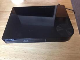 Samsung BD-F5100 Blu-ray Player perfect condition