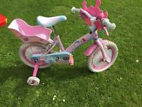 Girl Disney princess bike with stabilisers and hat