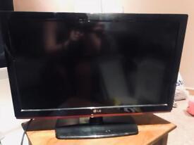 "LG 24"" TV"