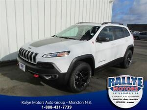 2016 Jeep Cherokee Trailhawk 4X4 IN STOCK
