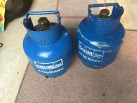 2 4.5 kg calor gas bottles 1 full and 1 almost full