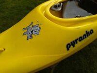 Kayak: Pyranha InaZone 242