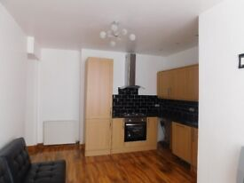 Modern fully furnished 2 bedroom, 2 bathrooms flat available in Didsbury