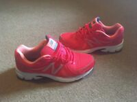 Ladies new balance trainers size 6