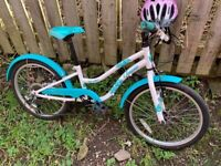 Girls Cycle, Lovely Condition, 6 Speed, Suit ages 5 to !0 Years. Free Cycle helmet Included.