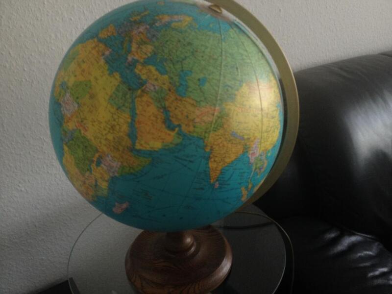 globus mit beleuchtung in eimsb ttel hamburg rotherbaum ebay kleinanzeigen. Black Bedroom Furniture Sets. Home Design Ideas
