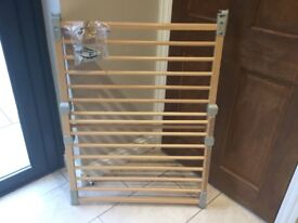 Pair of Baby Dan wooden Flexi stair gates