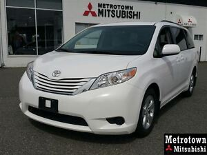 2016 Toyota Sienna LE 8 Passenger; Local & No claims!