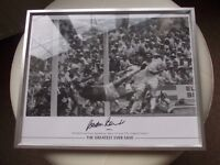 Signed and Authenticated Gordon Banks World cup (1966) Goal Keeper.