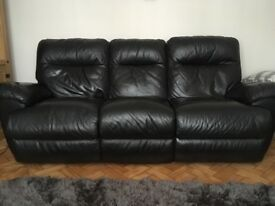 Immaculate leather electric recliner sofa. Perfect condition-looks brand new!!