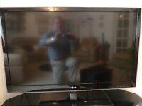 "LG Television 42"" screen, 3D, Full HD 1080p, Smart TV includes 4 x pairs 3D specs"