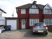 Mill Hill NW7 3 Bed, study/bed 4, 2 Recep, 2 baths House for rent