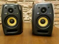 KRK VXT4 (Pair) + Stands + Isolator Pads