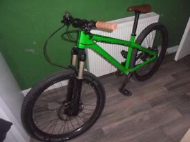 Custom Dartmoor MTB 4X, slopestyle, DH Very high Spec, very low price.